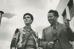 frida-with-diego-in-mexico